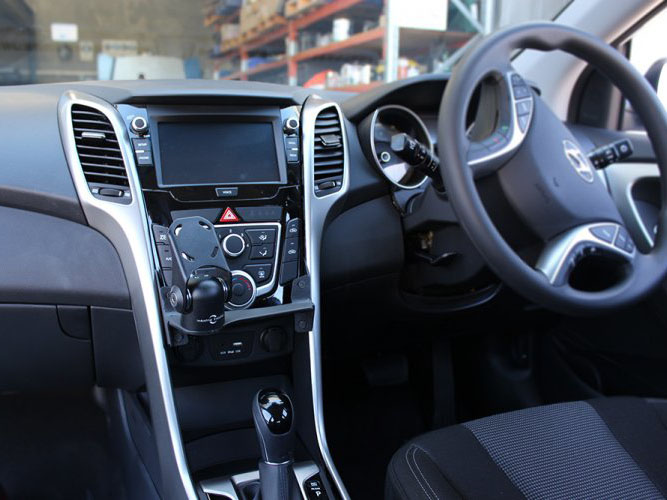 Hyundai i30 (2013+) In Dash Mount